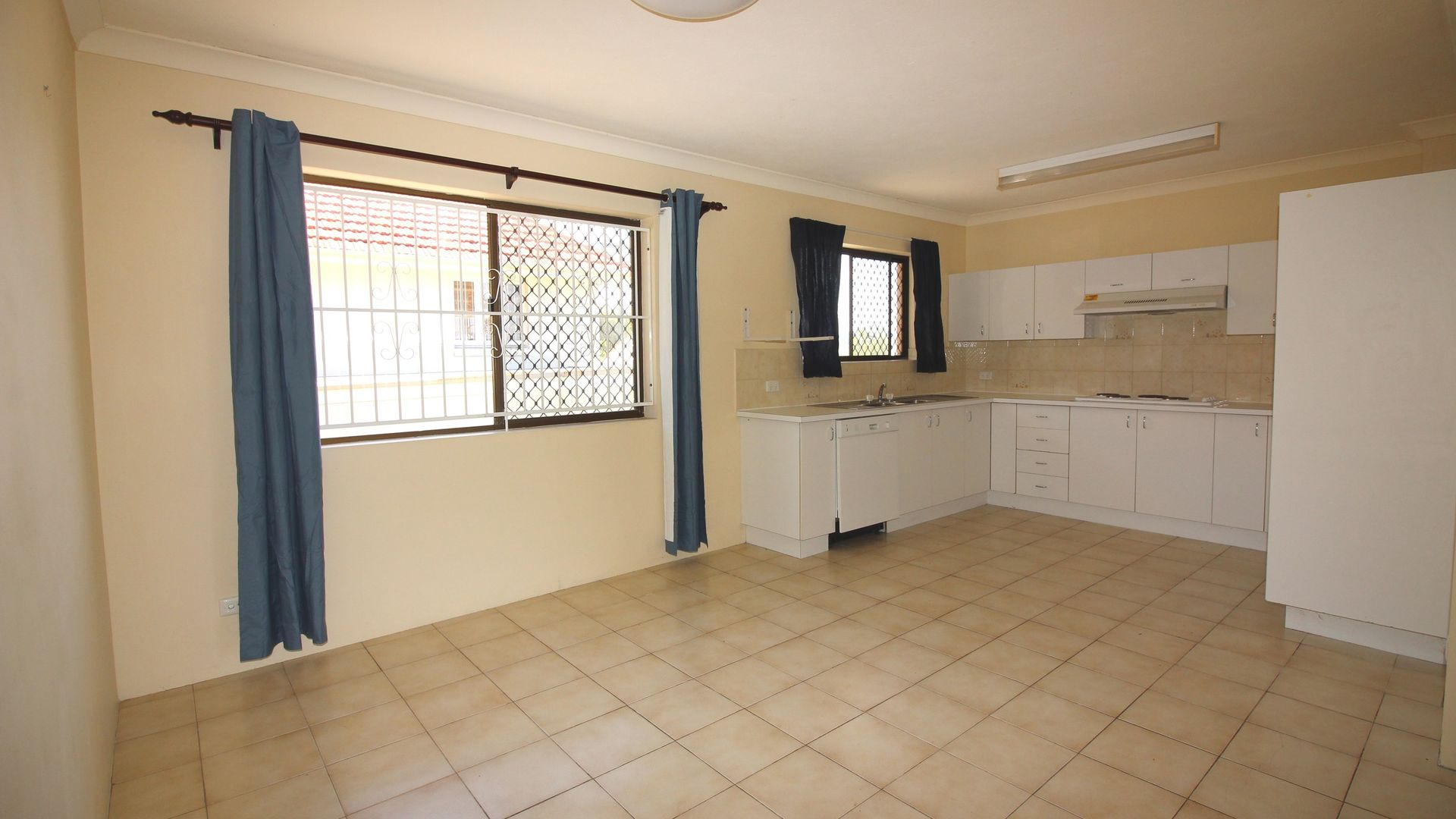 1A/39 Hunter Street, Wooloowin QLD 4030, Image 2