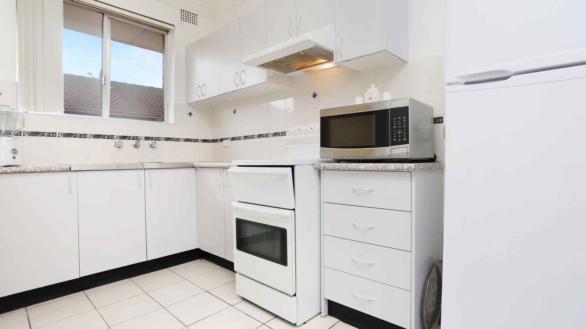11/39 Kenyon Street, Fairfield NSW 2165, Image 2