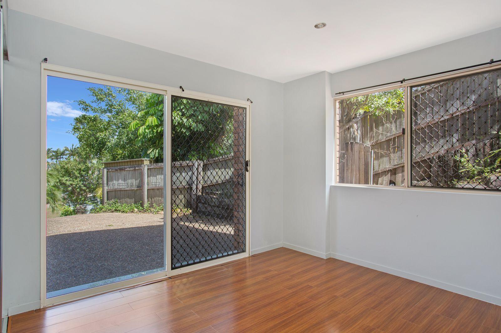 21 Broadview Place, Robina QLD 4226, Image 2