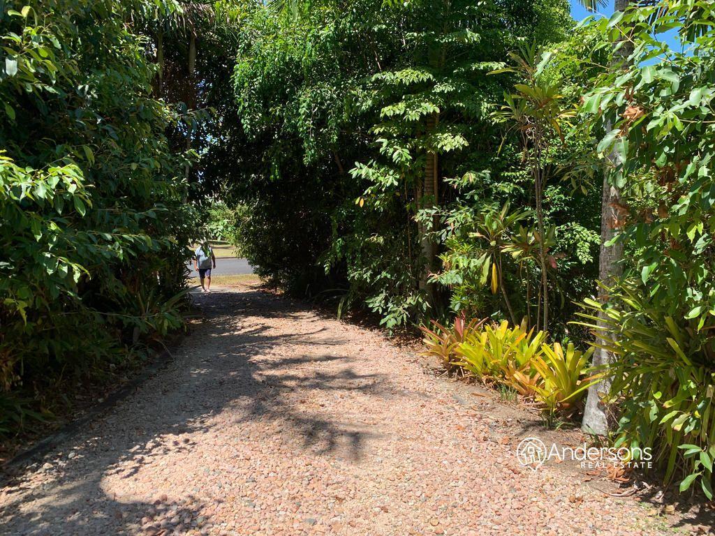27 Giufre Cr, Wongaling Beach QLD 4852, Image 1