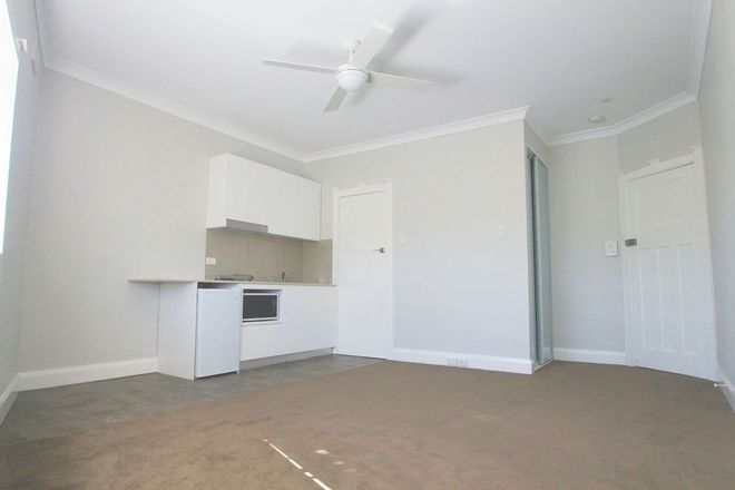 Picture of 2/116 Wardell Road, EARLWOOD NSW 2206