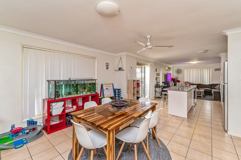 15 Wyndham Circuit, Holmview QLD 4207, Image 2