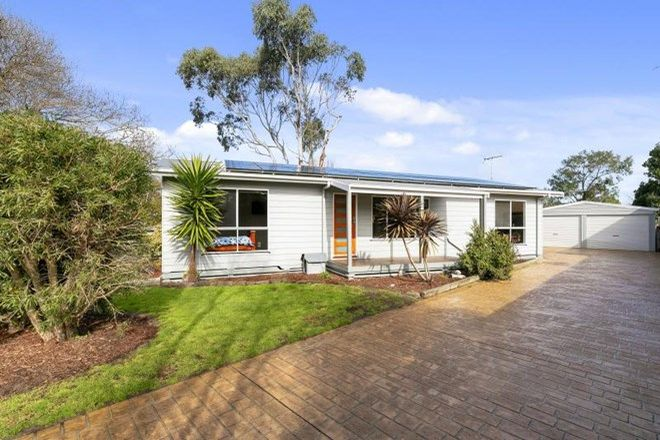 Picture of 6 School Avenue, NEWHAVEN VIC 3925