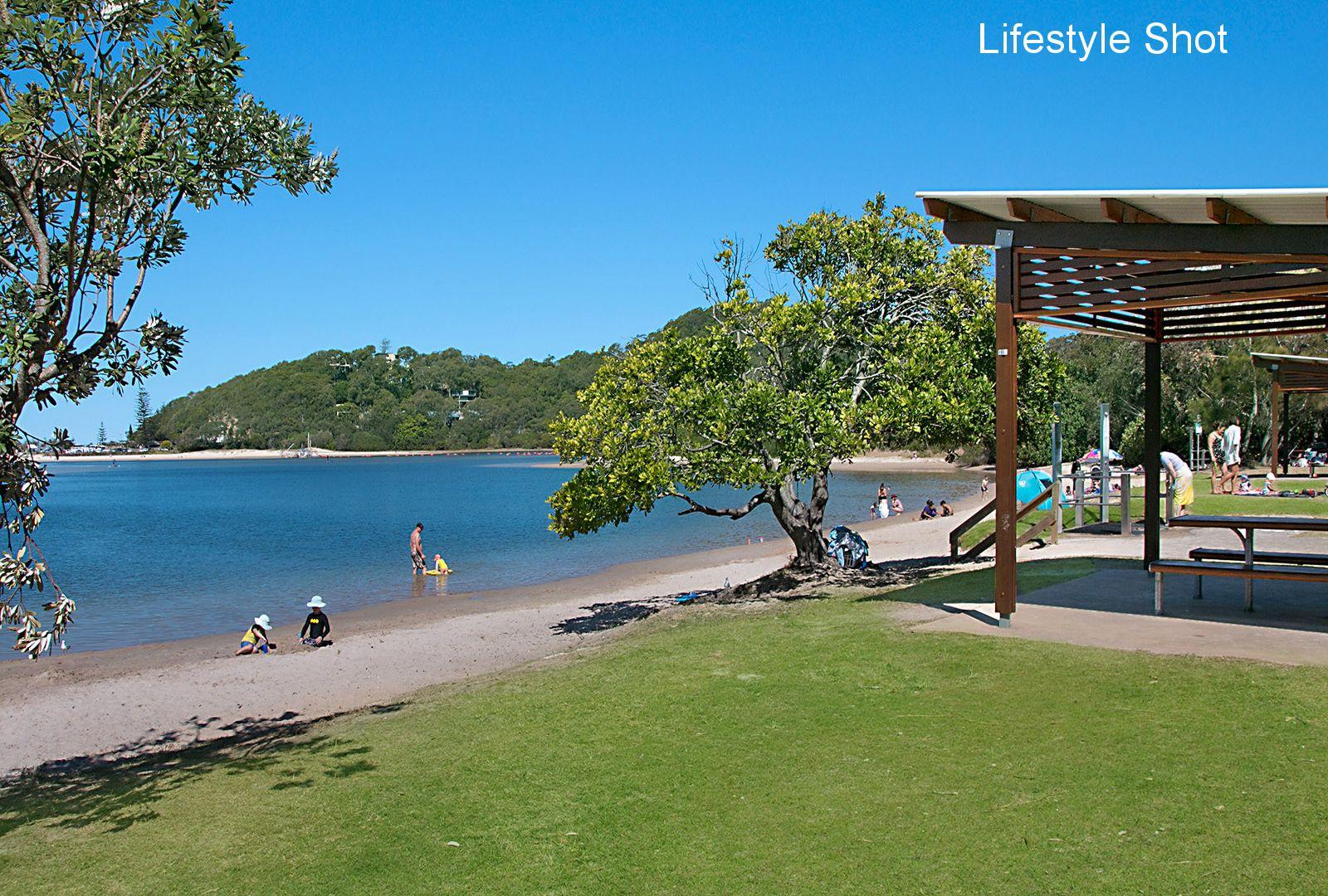 9 Rottnest Court, Elanora QLD 4221, Image 2