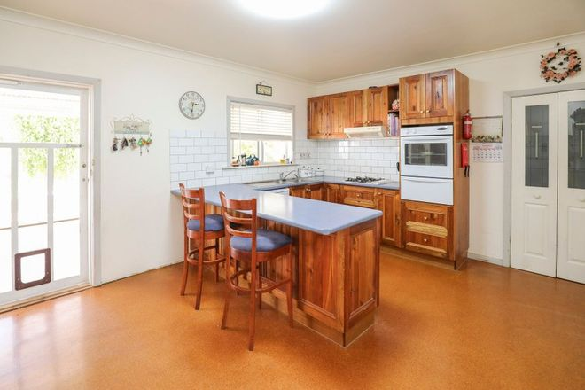 Picture of 22 Cowanna Avenue, YELTA VIC 3505