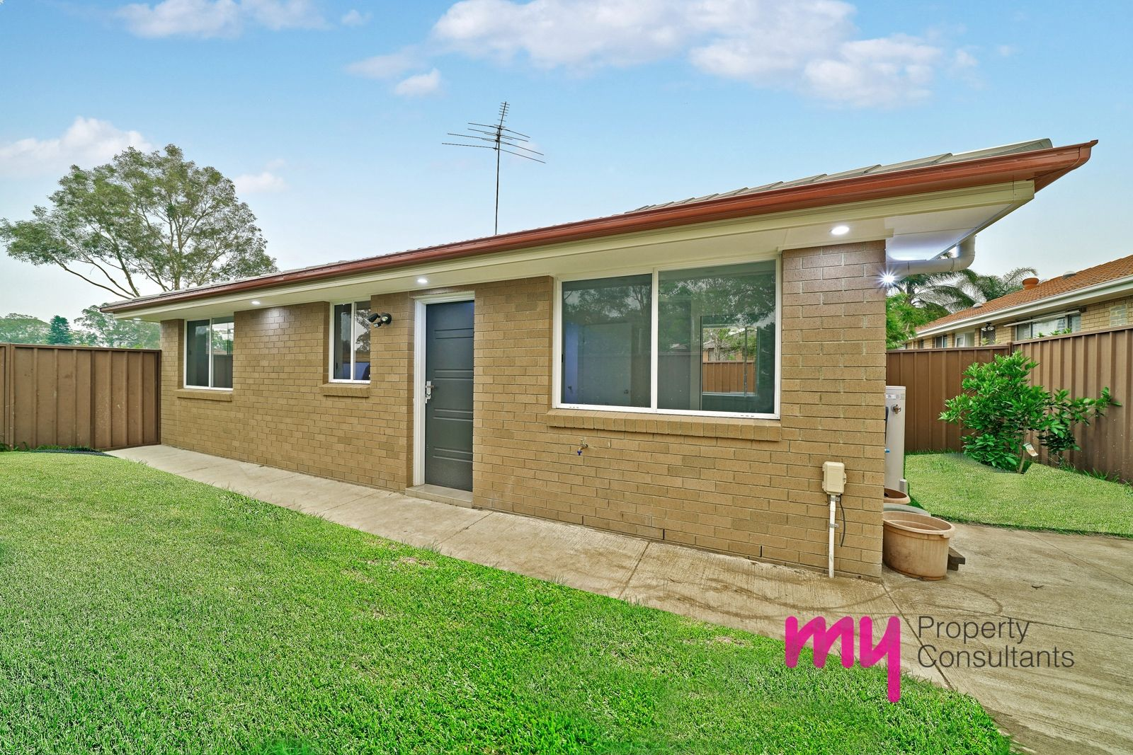 1a O'Malley Place, Glenfield NSW 2167, Image 1