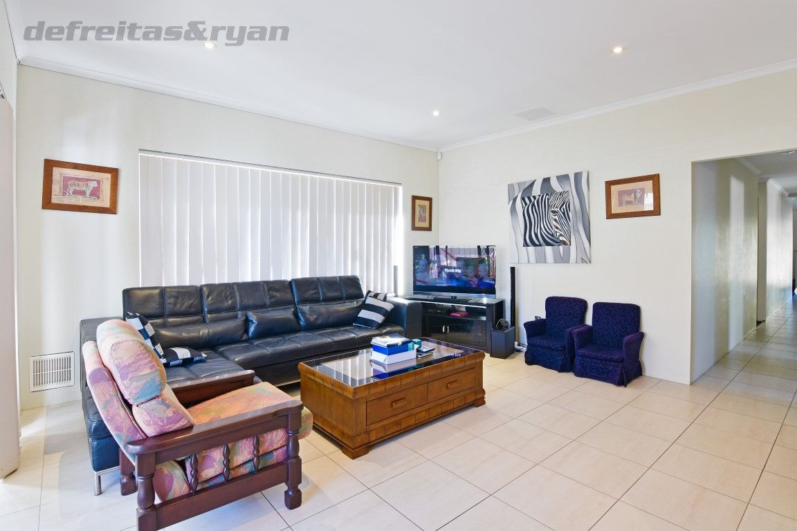 8 Butterfly Loop, Success WA 6164, Image 2