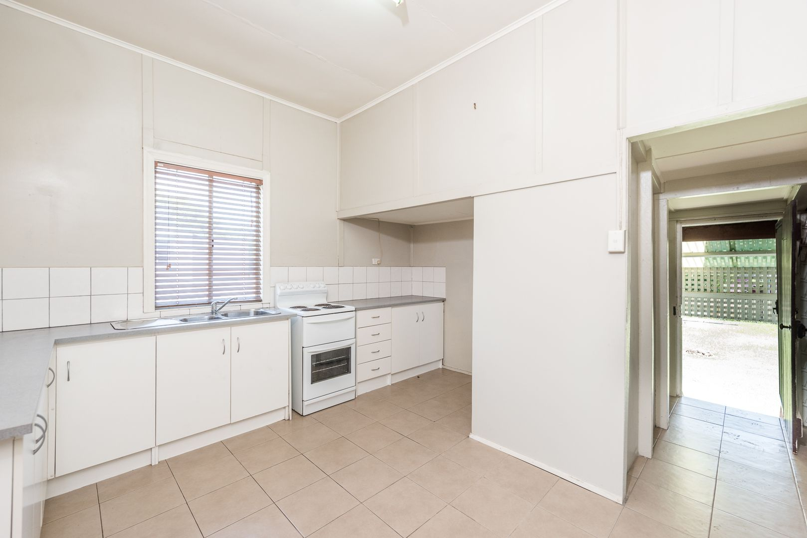 39 Bonney Street, Bundaberg North QLD 4670, Image 2