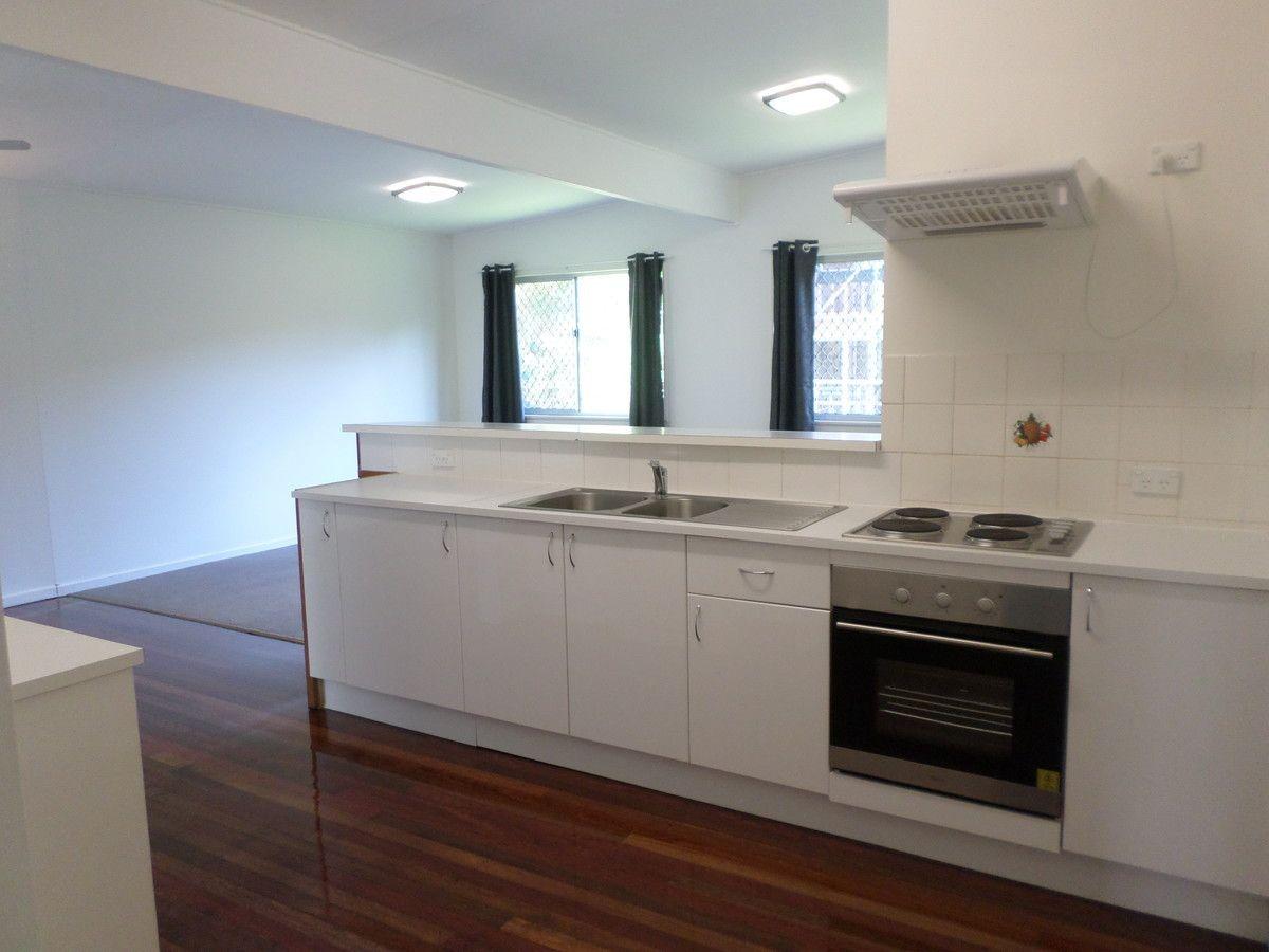 4 Robbins Street, Corinda QLD 4075, Image 0
