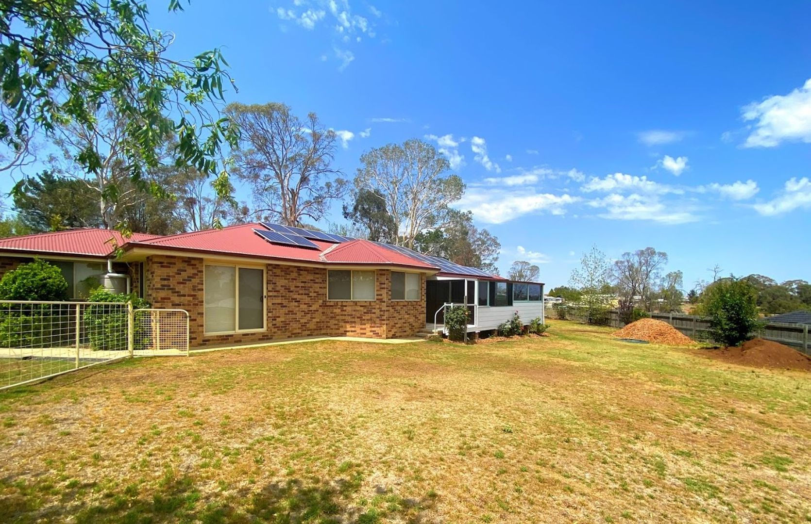 28 Pearson Street, Guyra NSW 2365, Image 2