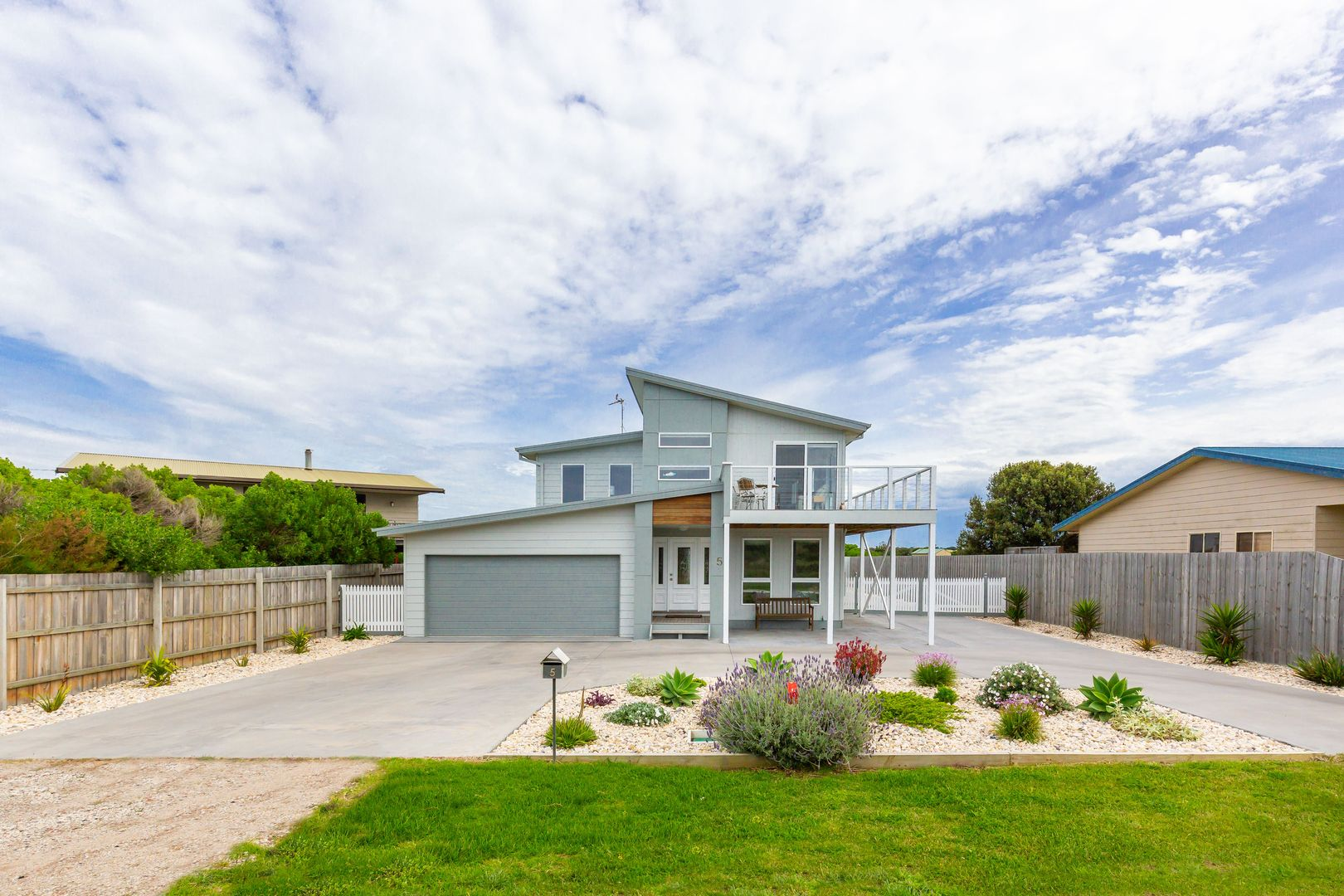 5 SHORELINE Drive, Seaspray VIC 3851, Image 0