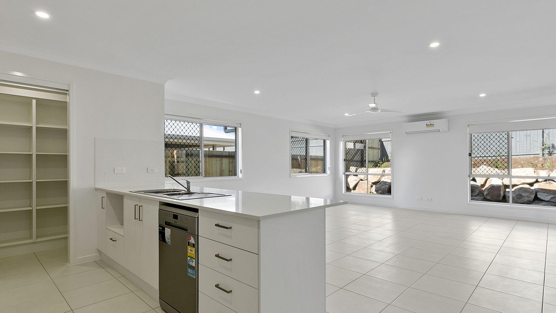 32 Crest Street, Narangba QLD 4504, Image 2