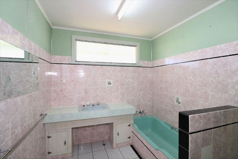 4 Ellimatta Avenue, Cranbrook QLD 4814, Image 1