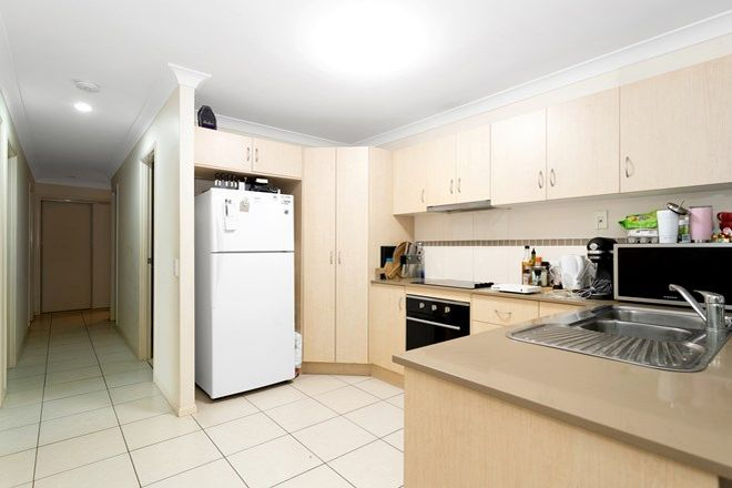 Picture of 2/23 Whitehaven Drive, BLACKS BEACH QLD 4740