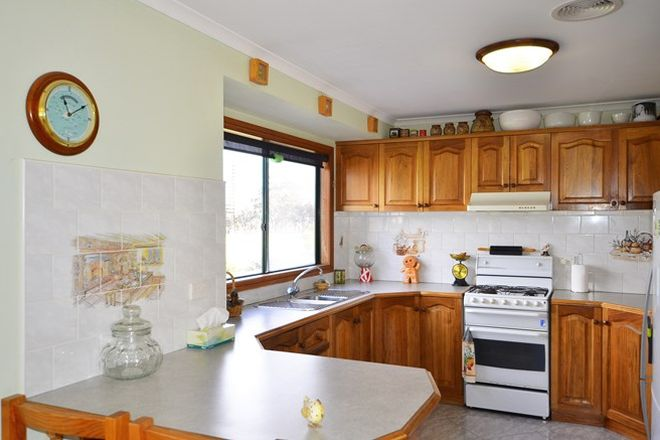 Picture of 240 Valley View Road, GREENS CREEK VIC 3387