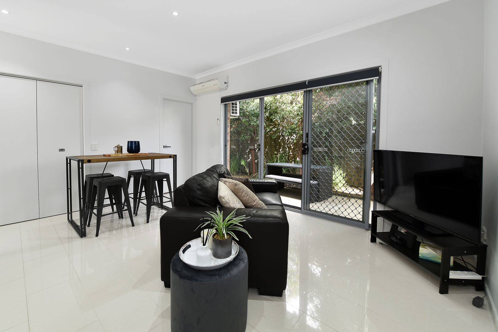 2/155 Rathcown Road, Reservoir VIC 3073, Image 1
