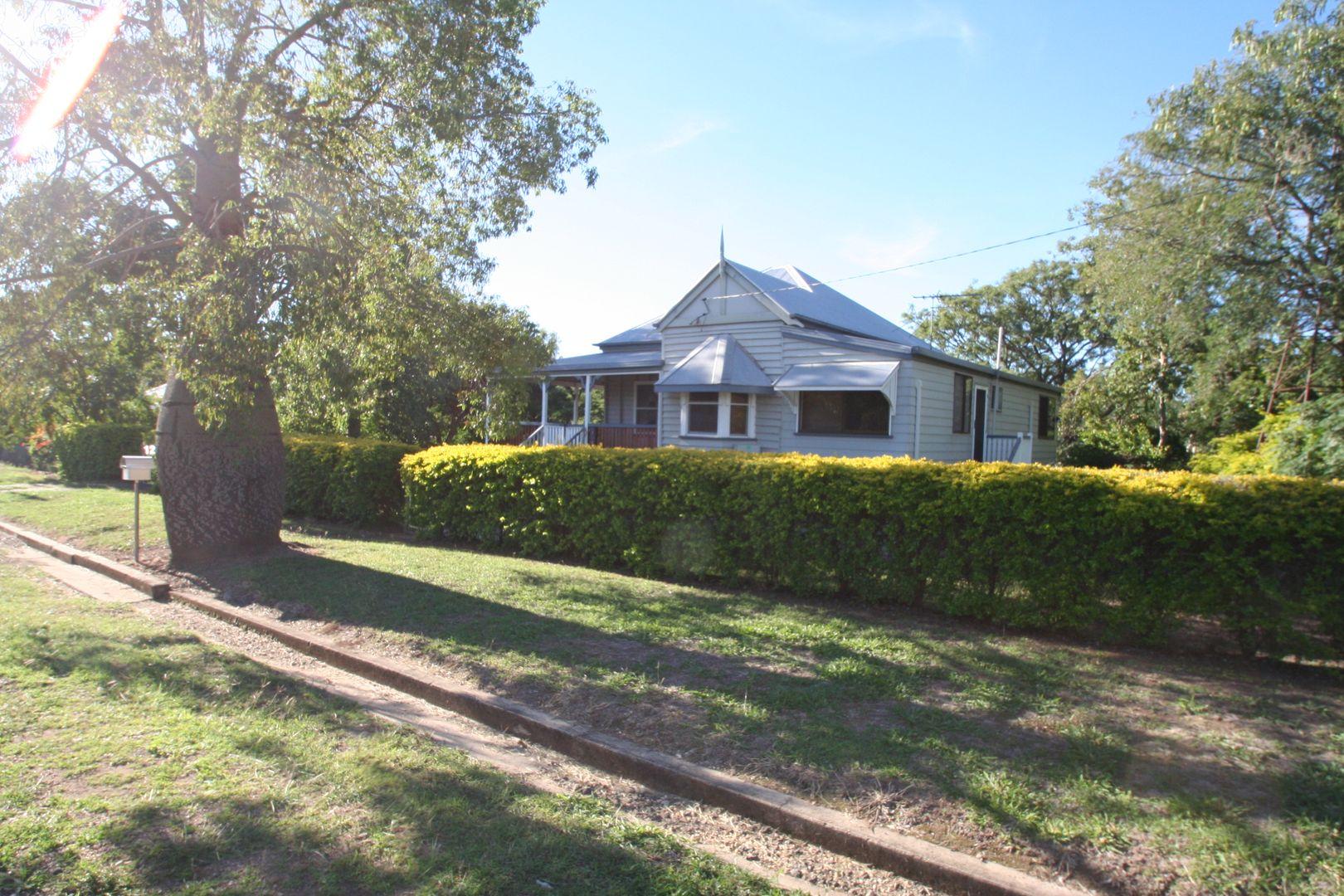 12 Pinnacle Street, Springsure QLD 4722, Image 0