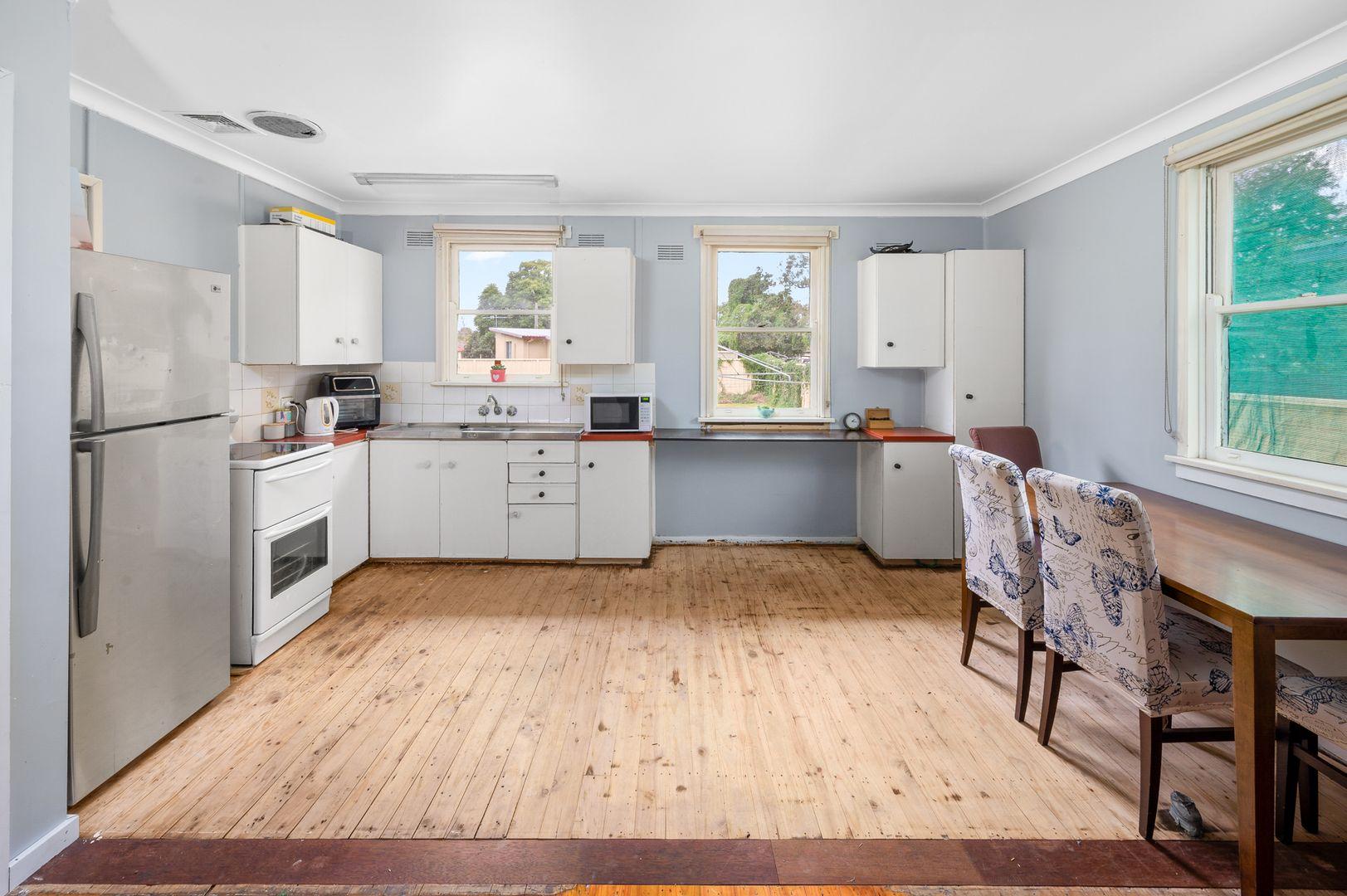 11 Howe Street, Singleton NSW 2330, Image 2