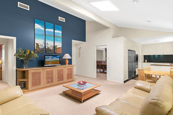 15 Lavender Place, ALFORDS POINT NSW 2234, Image 1