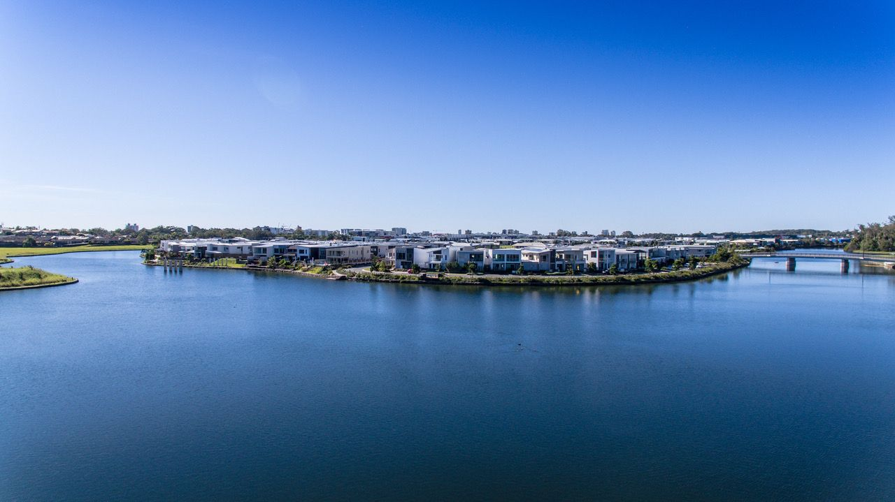 30 Langsford Crescent, MAROOCHYDORE QLD 4558, Image 2