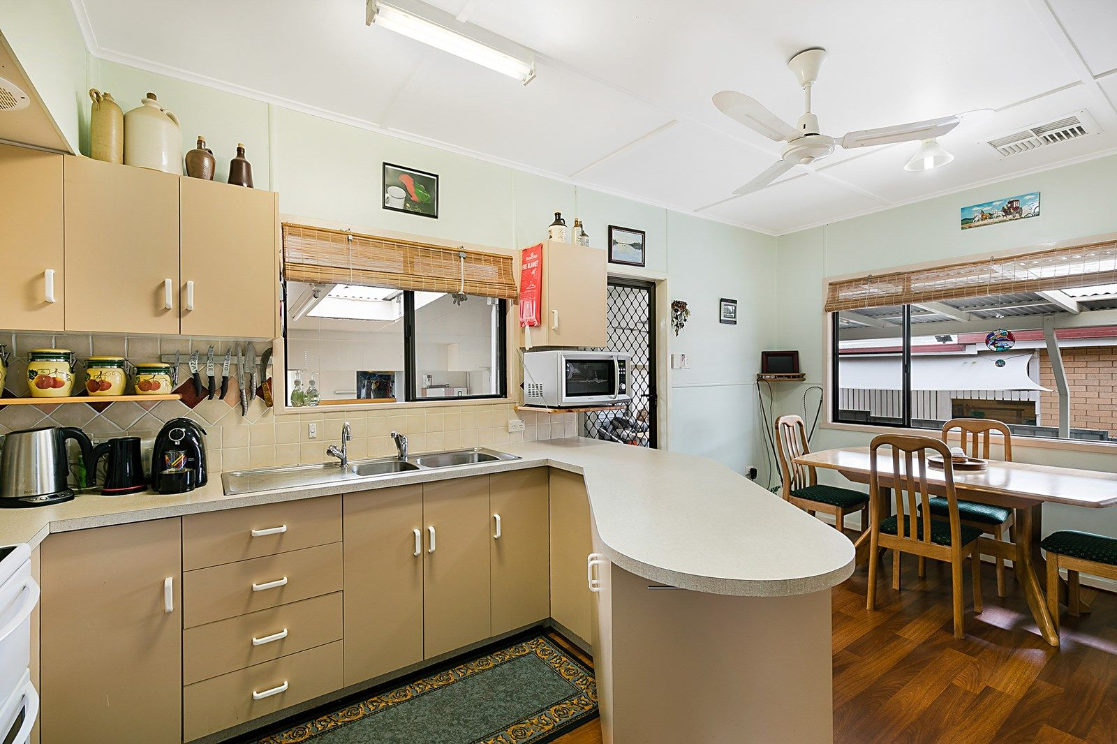 15 Leawarra Street, Wilsonton QLD 4350, Image 2