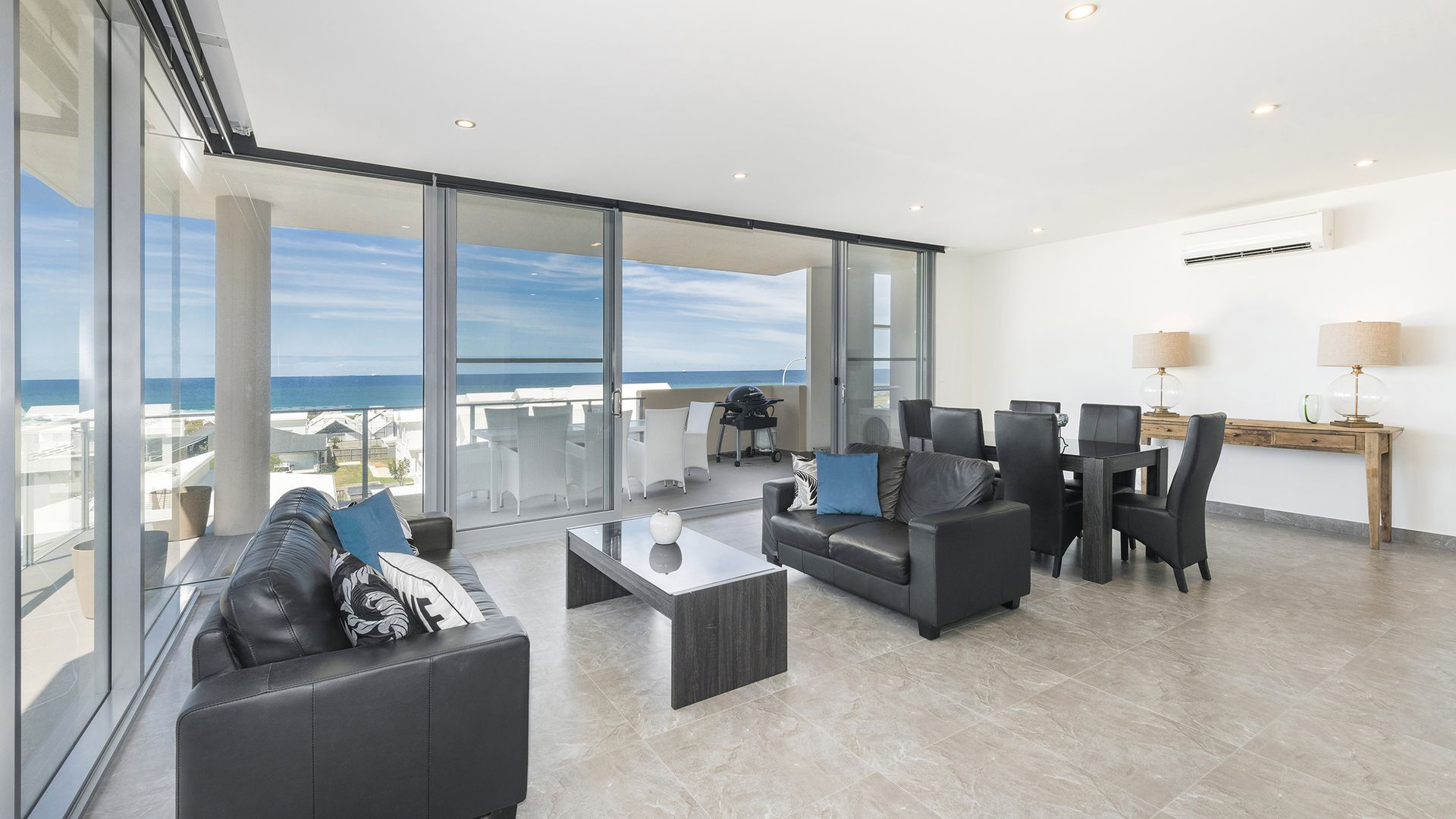 202/1 Mawson Close, Caves Beach NSW 2281, Image 2