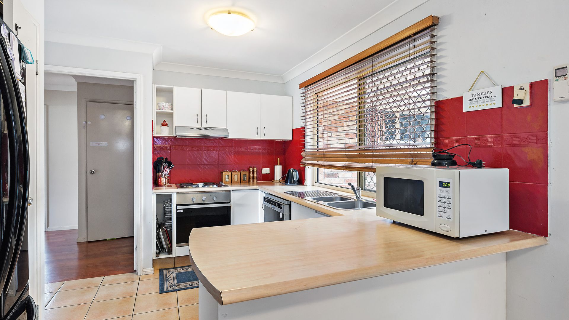 4 Greta Court, Camira QLD 4300, Image 2