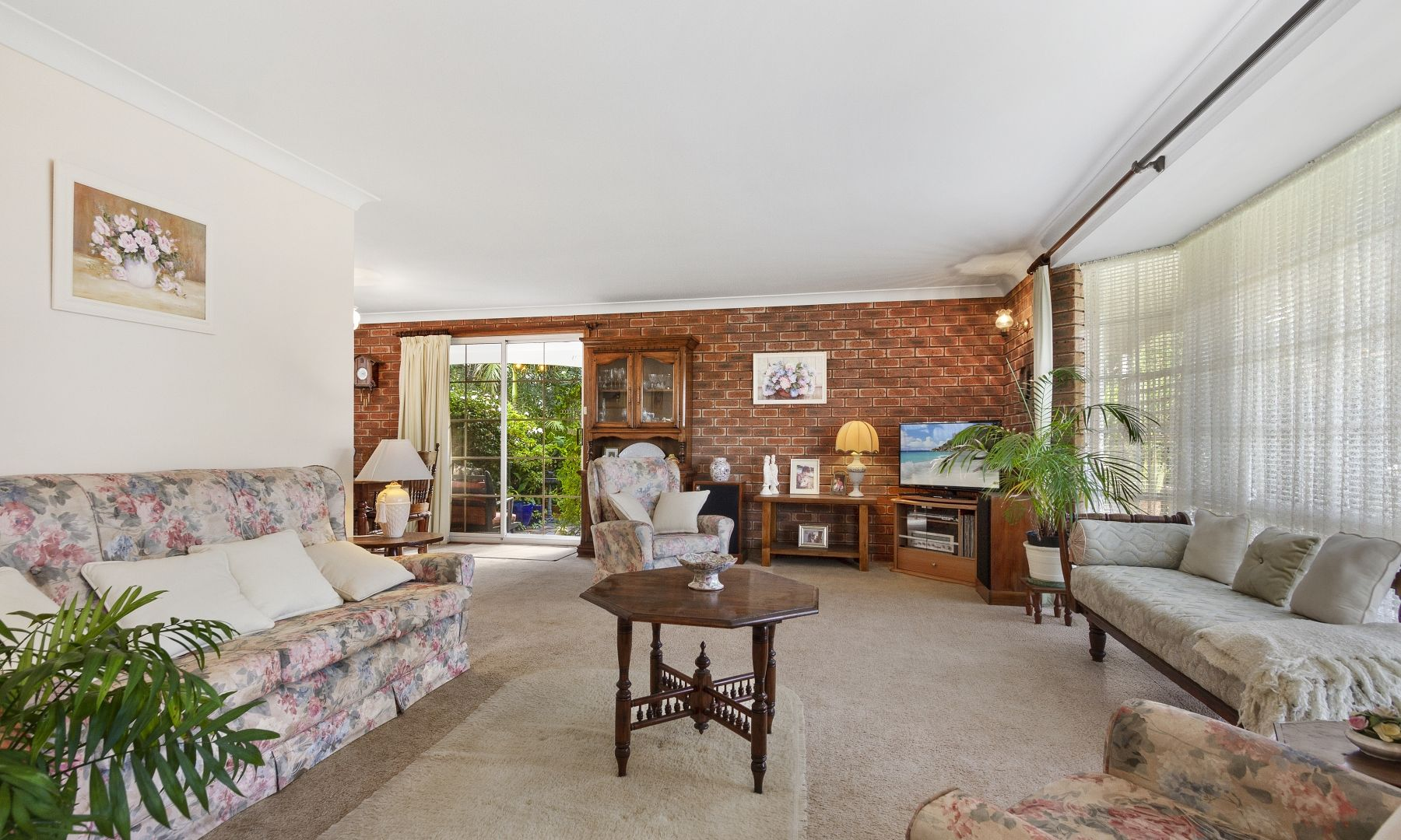27 Rosella Avenue, Mollymook Beach NSW 2539, Image 2