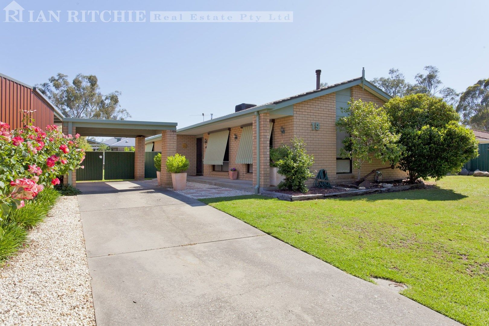 19 Saint Andrews Circuit, Thurgoona NSW 2640, Image 0