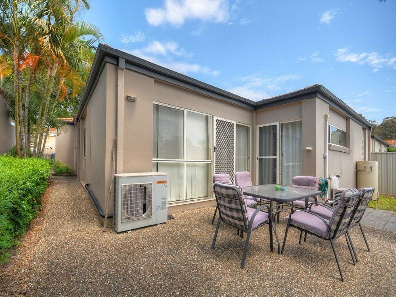 7 Siena Place, Coombabah QLD 4216, Image 2