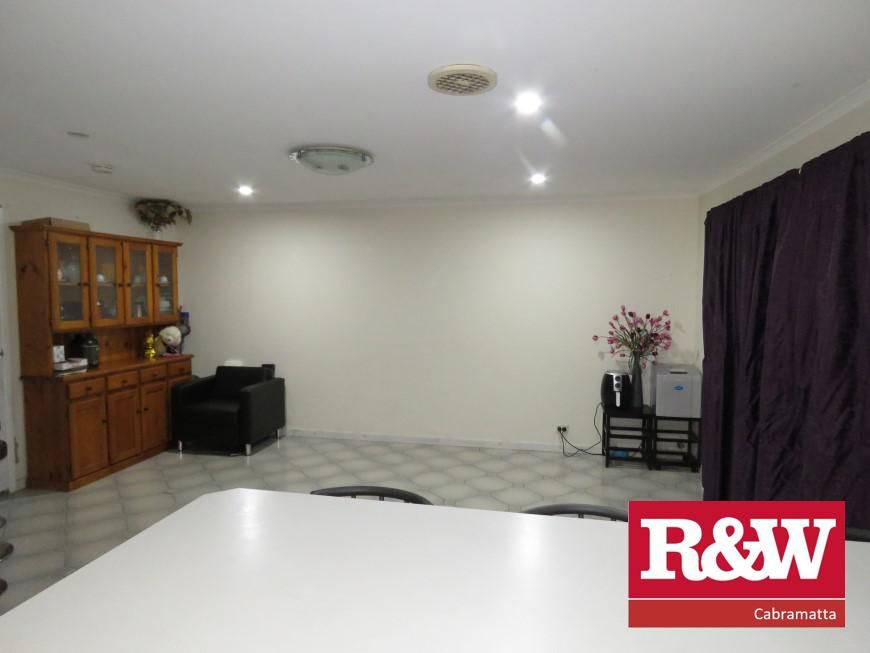 31 Saxonvale Crescent,, Edensor Park NSW 2176, Image 2