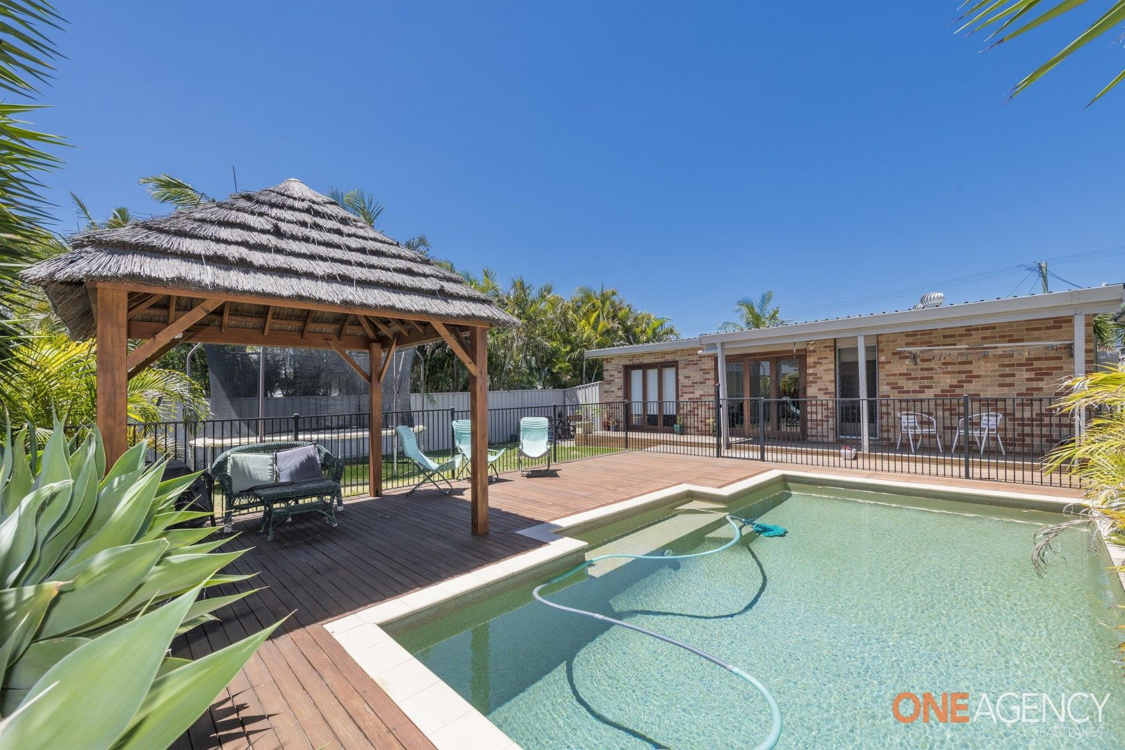 33 Pacific Street, Caves Beach NSW 2281, Image 0