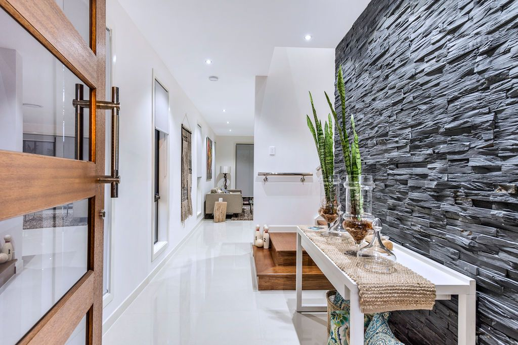 5/206 Cotlew Street, Ashmore QLD 4214, Image 2