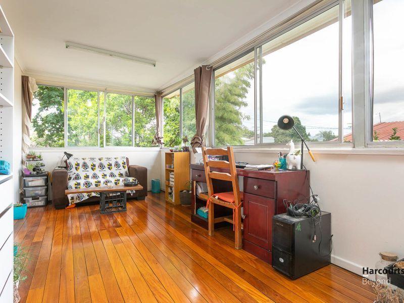 18 Nurstead Street, Camp Hill QLD 4152, Image 2