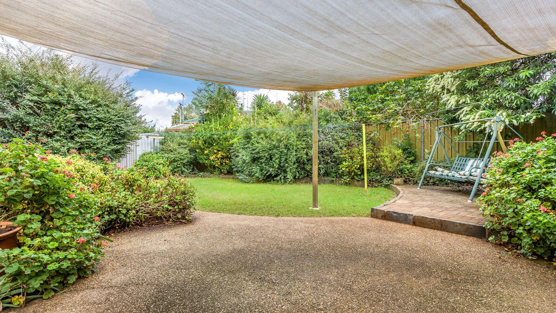 27 Mott Crescent, Rockville QLD 4350, Image 1
