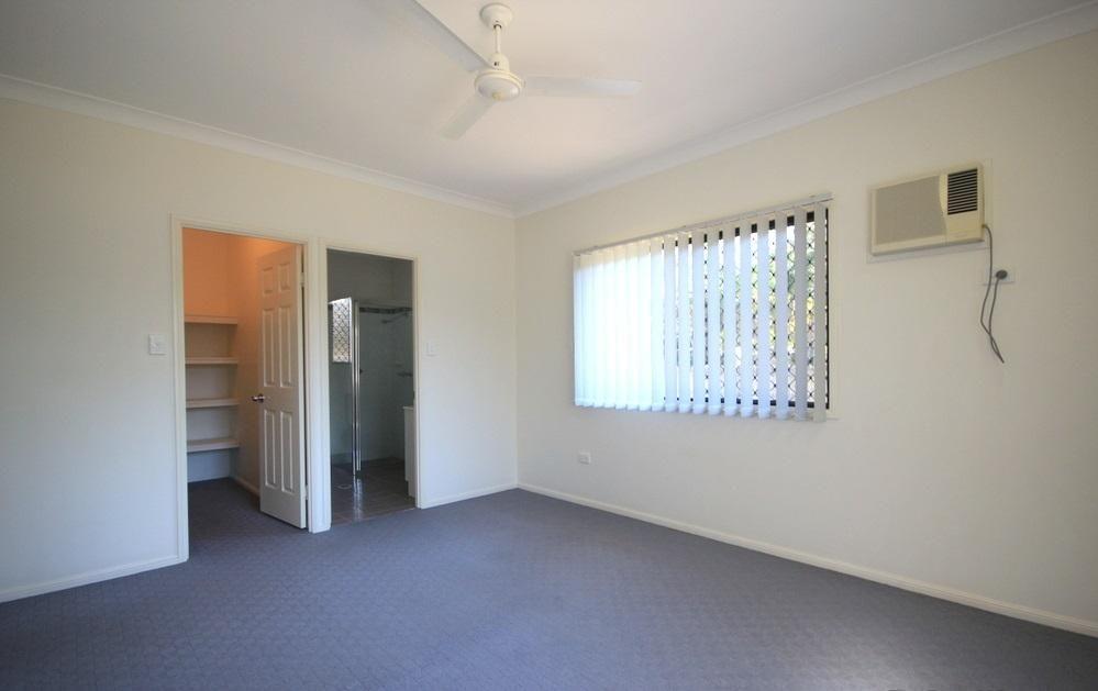 44 Seabrook Circuit, Bushland Beach QLD 4818, Image 2
