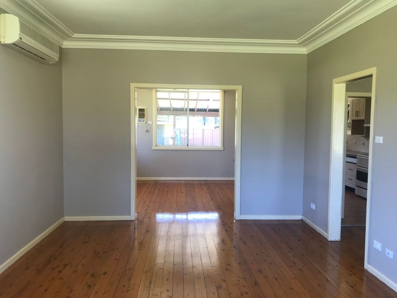 273 Devlin Road, Castlereagh NSW 2749, Image 2