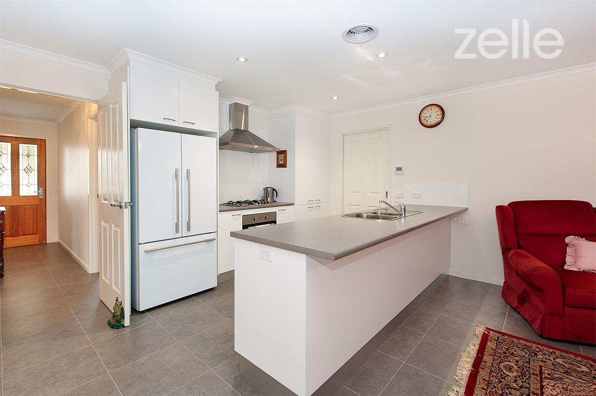2/479 McKenzie Street, Lavington NSW 2641, Image 1