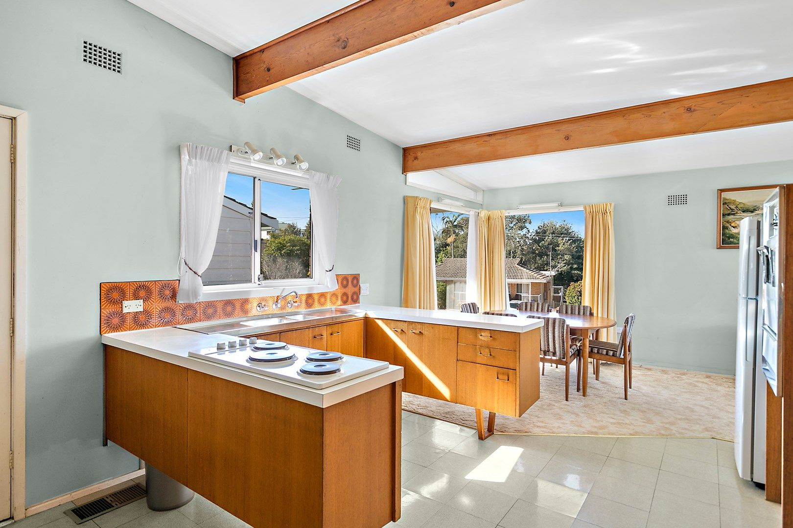 8 Jennifer Crescent, Thirroul NSW 2515, Image 0