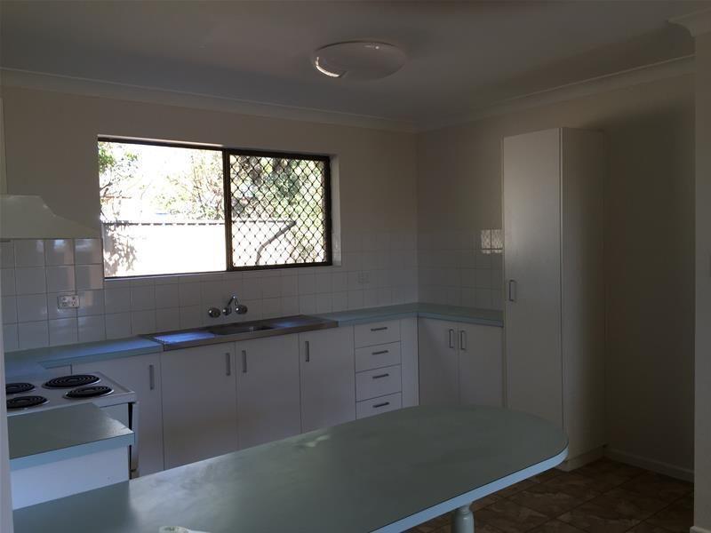 2/256 Geddes Street, Centenary Heights QLD 4350, Image 2