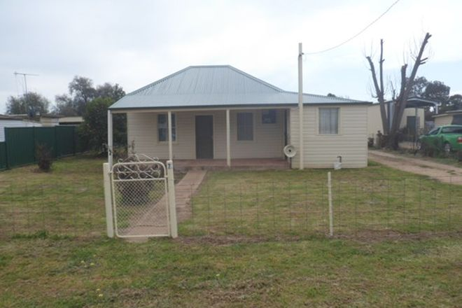 Picture of 7 Cowra St, GOOLOOGONG NSW 2805