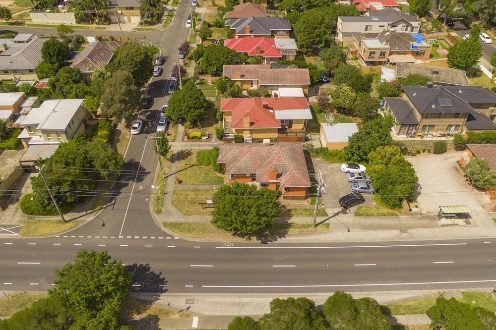 27 Romsey Rise, Doncaster East VIC 3109, Image 2