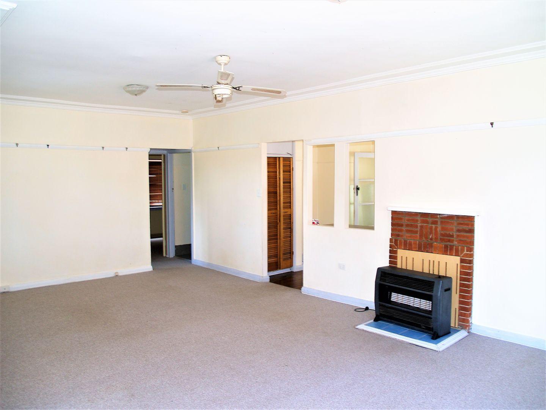 94 Rocket Street, Bathurst NSW 2795, Image 2