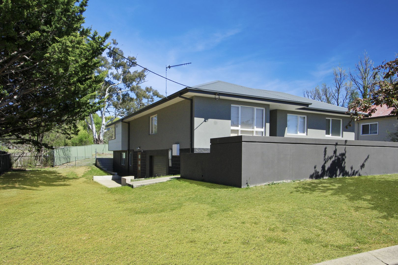 9 Arthur Ave, Cooma NSW 2630, Image 1
