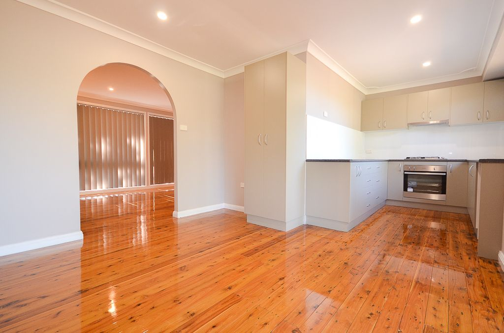6 Hawkesworth Parade, Kings Langley NSW 2147, Image 2