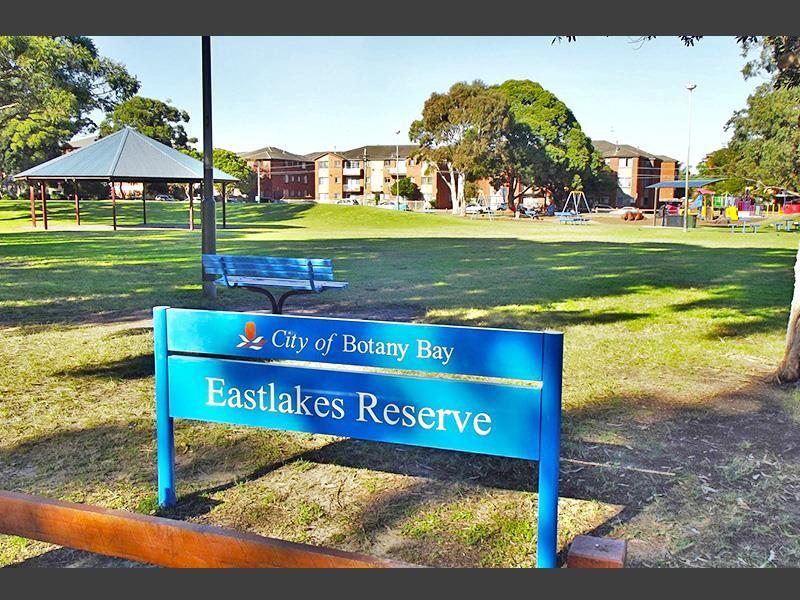 8 Barber Avenue, Eastlakes NSW 2018, Image 1