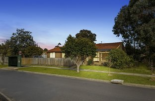 Picture of 1 Carluke Close, Berwick VIC 3806