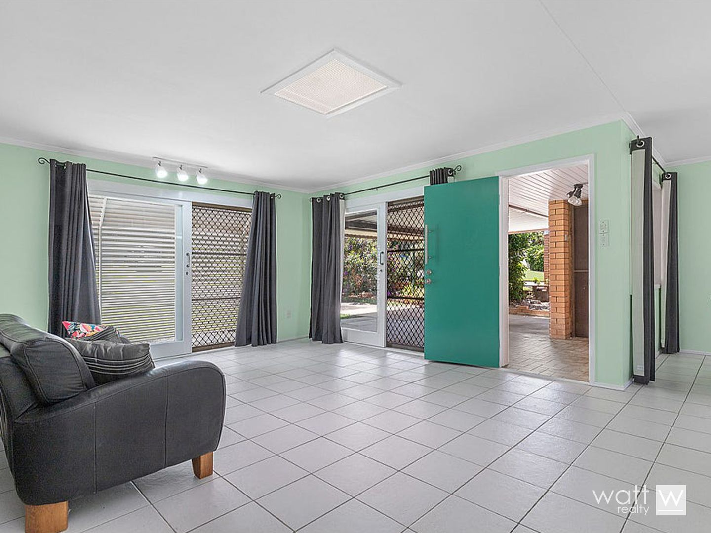 161 Trouts Road, Stafford Heights QLD 4053, Image 2