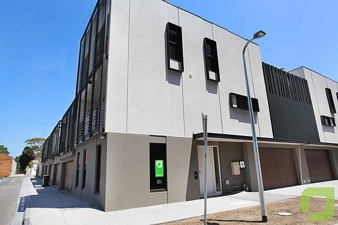 Picture of 47 Waterline Place, WILLIAMSTOWN VIC 3016