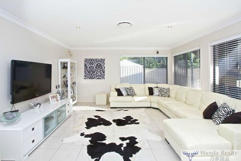 49 Costa Del Sol Ave, Coombabah QLD 4216, Image 0